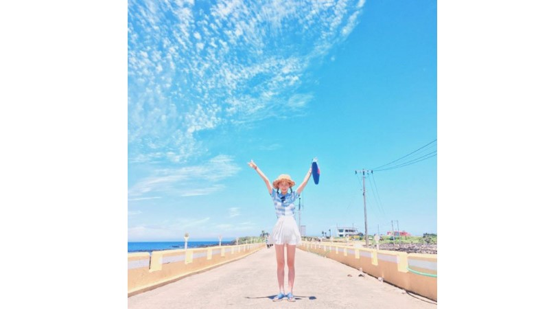 受歡迎的秘訣:拍穿搭照必試日韓潮人愛用的鮮明配色法,滑了上百張照片,還是能一眼就看見你!