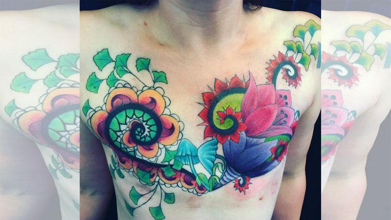 有「生命之美」的乳房刺青,這是對抗乳癌的戰士印記