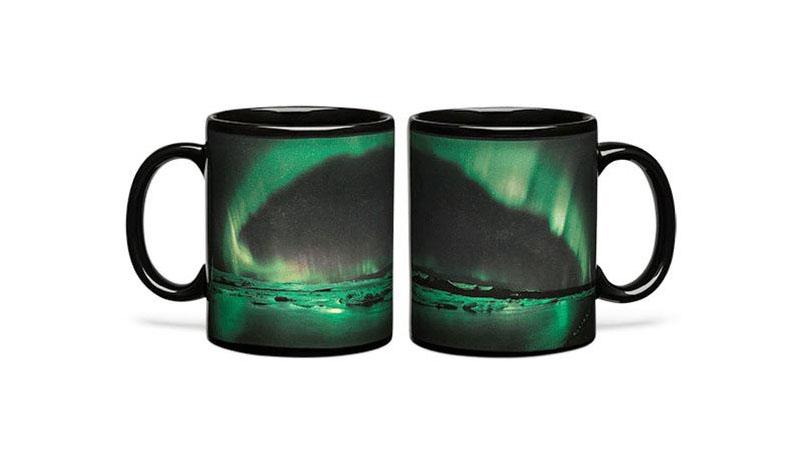 ♪想看北極極光?只要用了這個馬克杯,連咖啡都可以喝得很美麗!