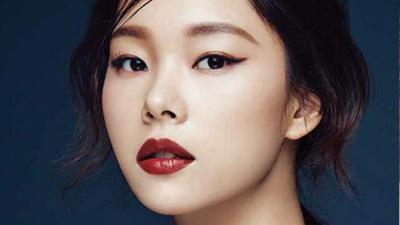 不一定要委屈求全不掉色唇膏的乾澀感,韓妞常用「不掉色小技巧」讓你清爽地一整天擁有漂亮唇色