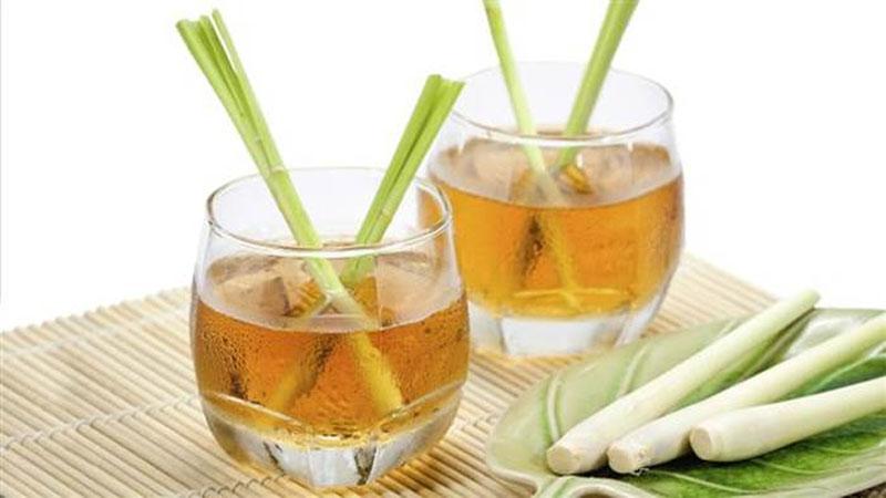 中醫推薦「檸檬香茅茶」:降膽固醇、排毒、助消化!小小一杯喝出「7種草本療效」!